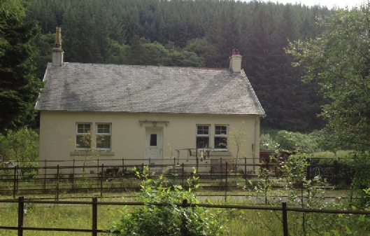 The White Cottage, 3 bed self catering holiday cottage in Tweedsmuir